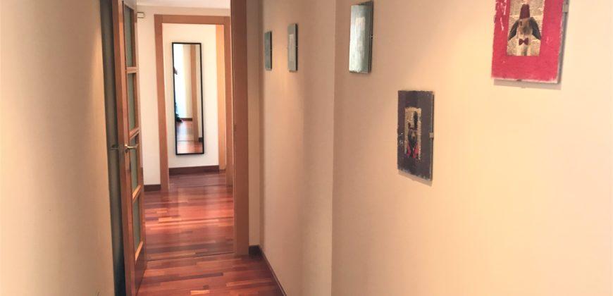 Se alquila piso en Paseo de Almería