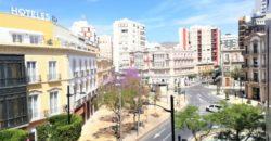 En venta Piso En Paseo de Almería