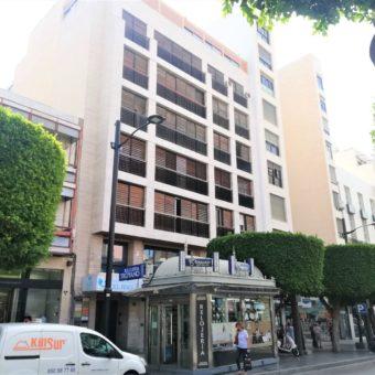 Se alquila oficina en el Paseo de Almería, 5