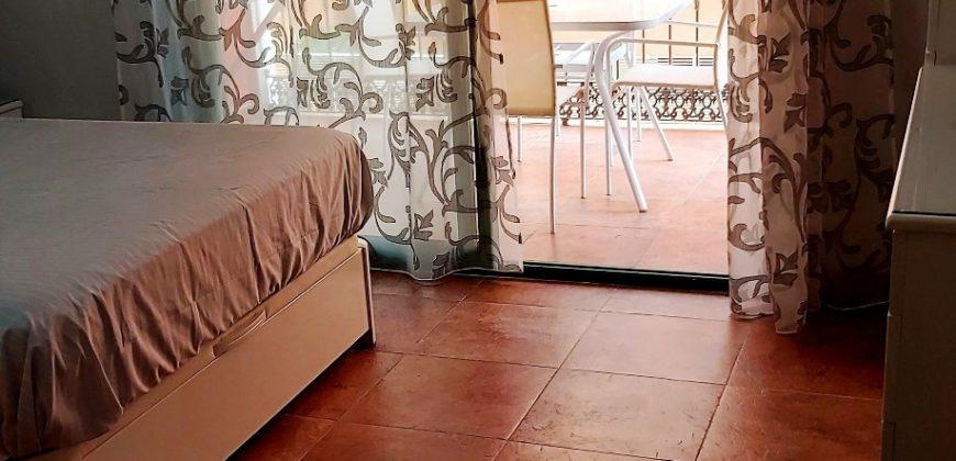 Se alquila piso en Las Salinas (Roquetas de Mar)
