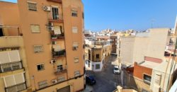 Piso en venta en C/ Santiago Vergara (Almería)